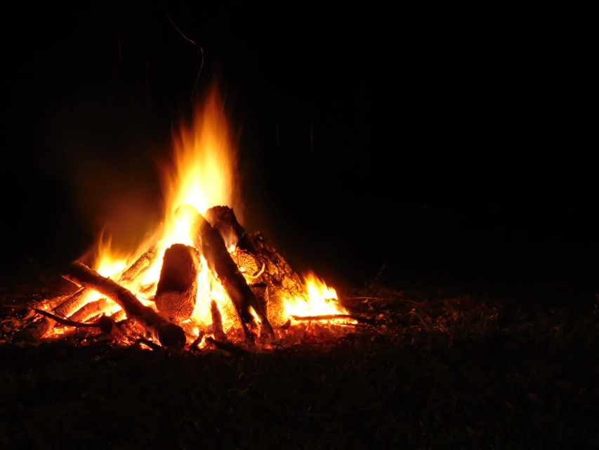 The perfect ending to an incredible day: a hayride, bonfire, hotdog and marshmallow roast! #freetoedit #photography #night #bonfire #flame [*F]