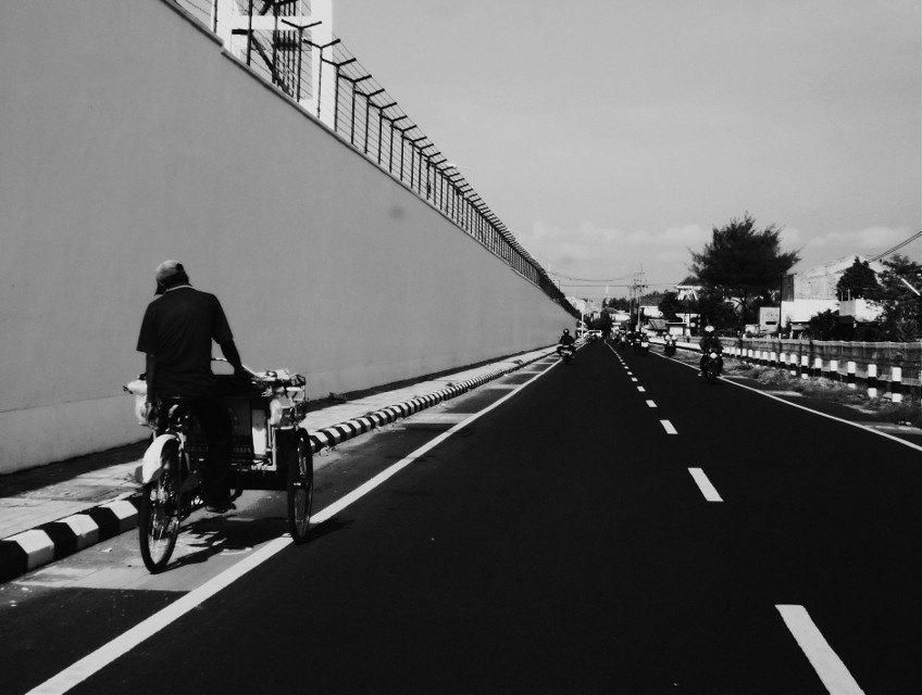 #Vannishingpoint #streetphotography #street  #blackandwhite