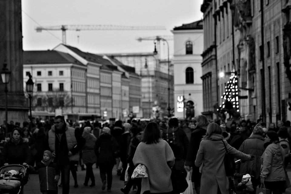 #urban #streetphotography #blackandwhite #photography #people #münchen