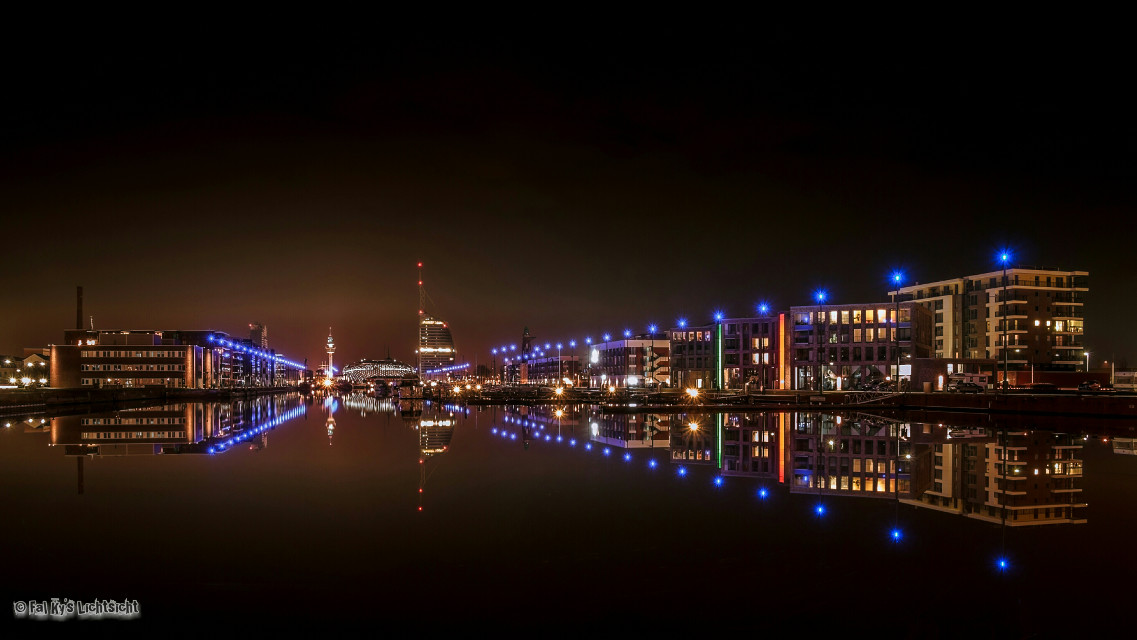 Bremerhaven at Night  #emotions #photography #colorsplash #night #travel