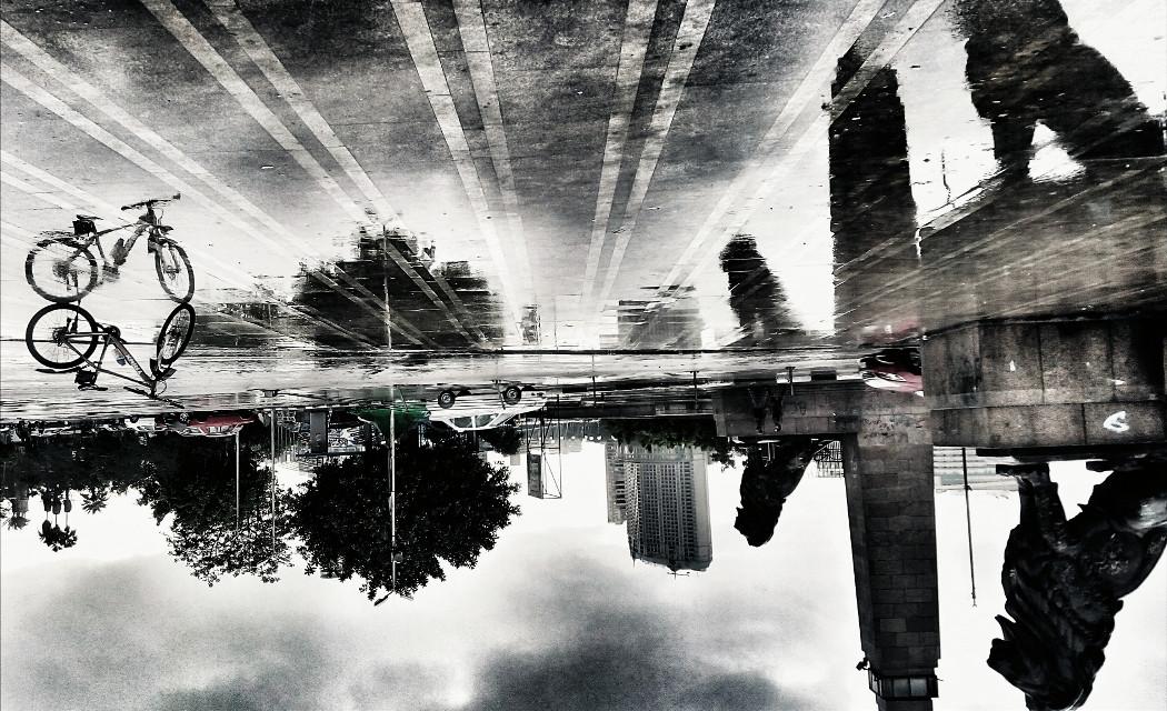 Reflection  #picstito ⤵ ⤴ #mobilephotography #blackandwhite #street #rain #reflection