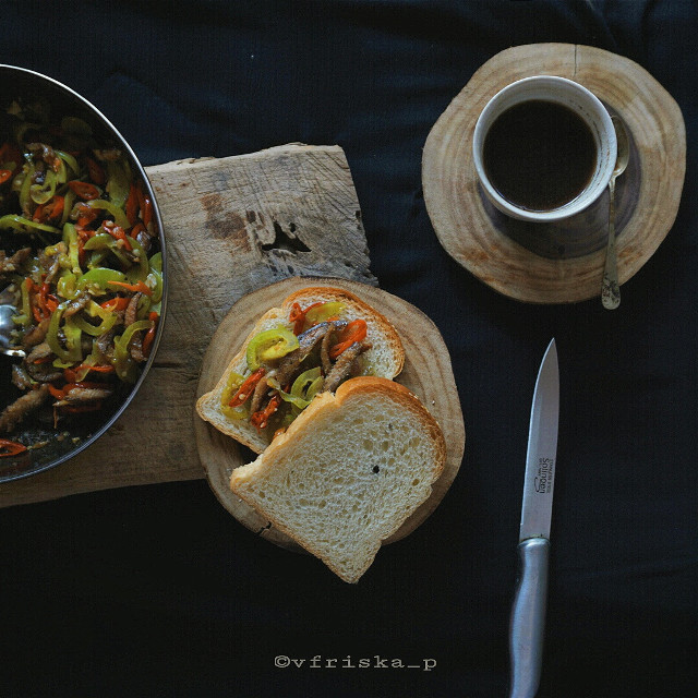Pindang ala2 (1)  #mycoffee_diary #darktone #coffee #coffeelovers #flatlay #onthetable #breakfast #sony #darkness #dark #morning #spring #photography #flower #cute #love #black #myblacktable #goodmorning#FreeToEdit